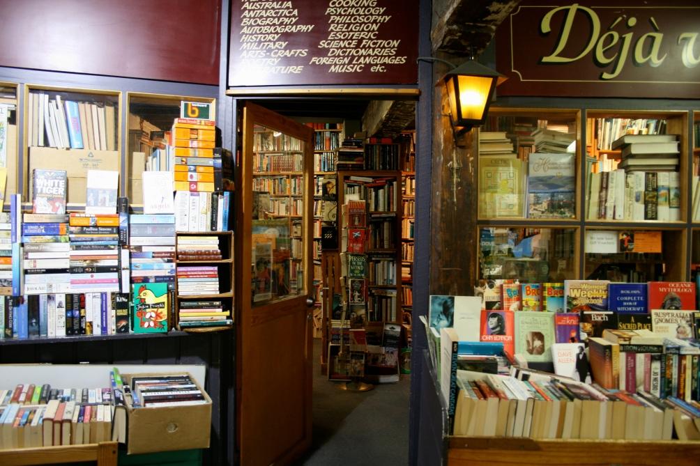 deja vu bookstore